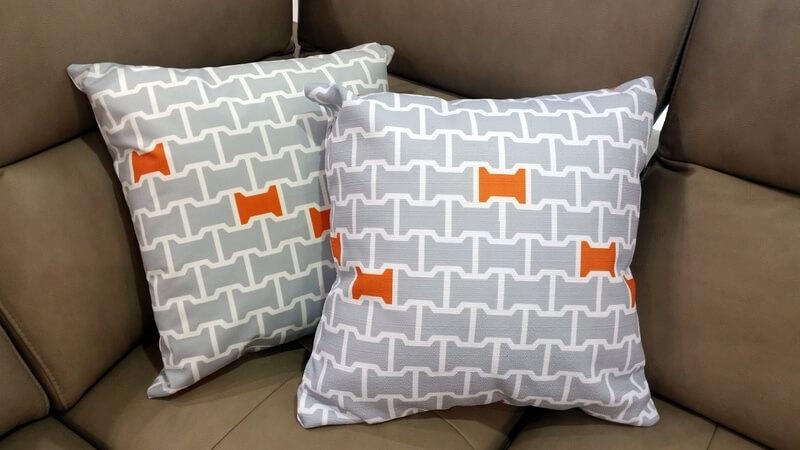 Brook - projekt tkaniny na poduszkę Olgi Marcinkowskiej