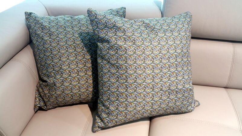 Doodle - projekt tkaniny na poduszkę Davida Celka
