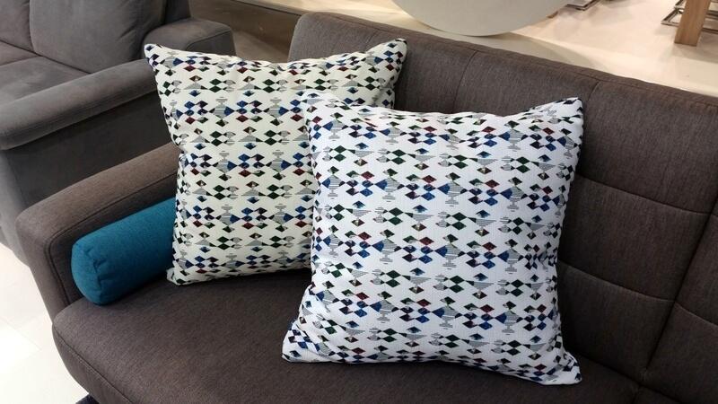 Pasaż róż - projekt tkaniny na poduszkę Karoliny Droszcz