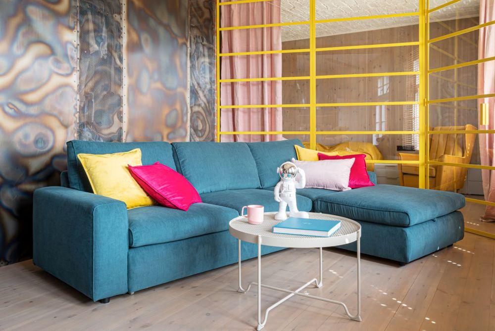 Duży niebieski narożnik Karato o minimalistycznych kształtach | Gala Collezione