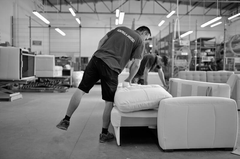 Kontrola jakości w Fabryce Mebli Gala Collezione