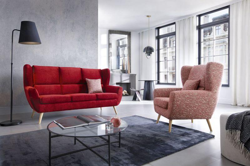 Wygodna sofa na wysokich nóżkach - Forli marki Gala Collezione