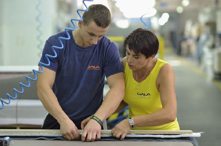 W szkółce tapicerskiej Gala Collezione nauczysz się zawodu tapicer