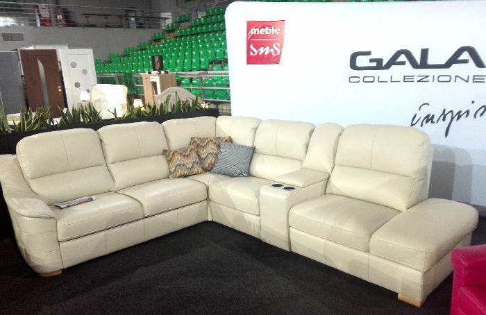 Narożnik Nevia marki Gala Collezione z barem oraz fotelami z funkcją relaksu