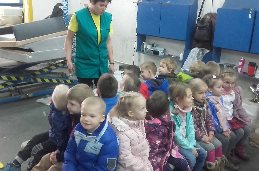 Przedszkolaki z wizytą w Fabryce Mebli Gala Collezione