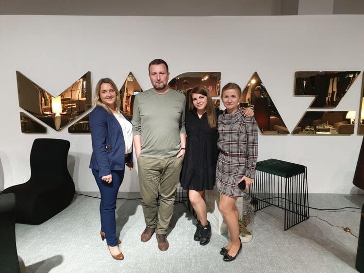 Razem ze stylistą Michałem Gulajskim (Wnętrza Michała) odwiedziliśmy Katarzynę Księżopolską - redaktor prowadzącą Magazif.com. Na stoisku przygotowanym przez redakcję prezentowaliśmy kilka mebli z naszych kolekcji