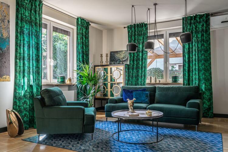 Zielona sofa i fotel w kolorze butelkowym | Kolekcja Monday - Gala Collezione